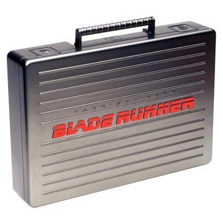 La maleta de la Five-Disc Ultimate Collector's Edition de Blade Runner